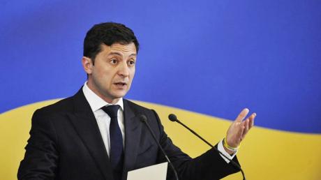 """Зеленский объяснил, почему в Украине не повышают пенсии: """"Откуда у нас деньги?"""""""