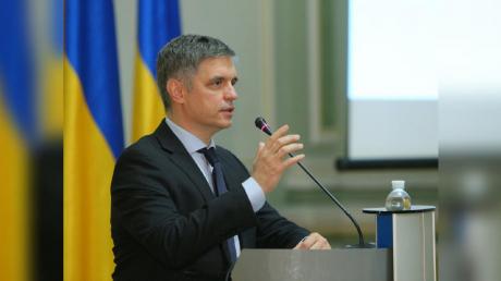 """Обмен пленными """"всех на всех"""" на Донбассе: Пристайко назвал сроки"""