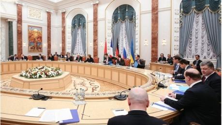 """Переговоры """"нормандской четверки"""" в Минске идут уже более 10 часов"""