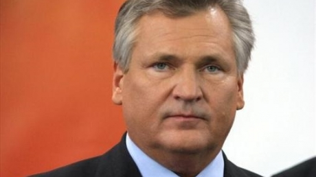 Квасневский: Россия может повторить гибридную войну в Прибалтике
