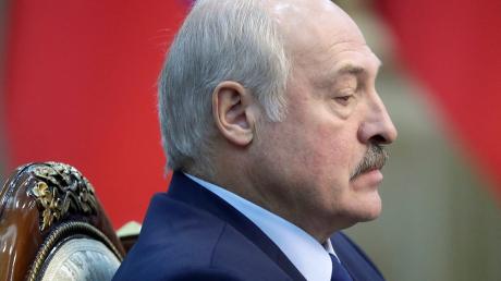 """СМИ России прогнозируют уход Лукашенко после его Послания Беларуси: """"В Кремле не простят"""""""