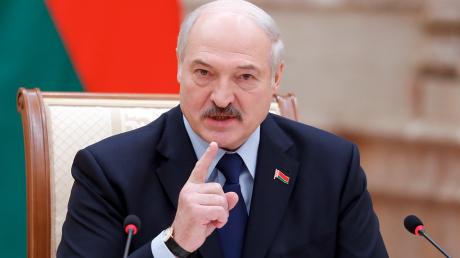 """""""Мы защитим Минск от катастрофы"""", - Лукашенко ввел 50% налог на транзит российской нефти через свою территорию – детали"""