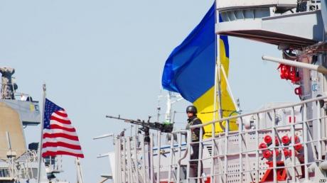 США направляет войска в Черное море: на борту около 800 военных моряков и морских пехотинцев - стали известны подробности