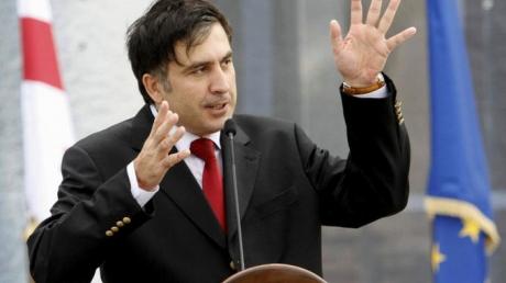 Под горячую руку Михаила Саакашвили в прямом эфире попал Евгений Червоненко: бывший президент Грузии в запале эмоций едва не накинулся на своего оппонента