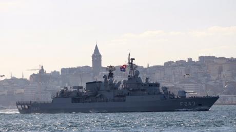 """""""Волчья стая"""" из 5 кораблей НАТО спешит на помощь Украине и готовится дать отпор агрессору - фото"""