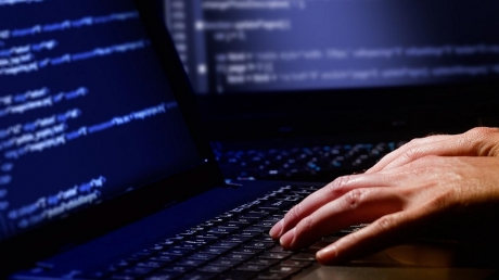 """Масштабная кибератака на государственные сайты остановлена: в Кабмине рассказали о подробностях """"борьбы"""" с вирусом Petya"""