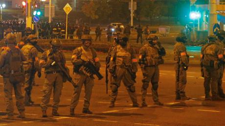 Неспокойная ночь в Минске: в разгоне протестов мог принимать участие спецназ из РФ