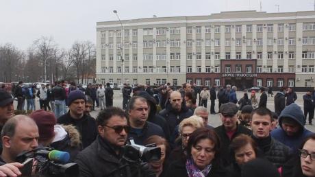 Бунт во Владикавказе: власть отказалась слушать требования митингующих, переговоры провалены