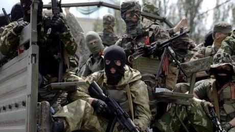 """Боевики """"ЛДНР"""" терроризируют населенные пункты вдоль всей линии фронта, пуская в ход зенитные установки, двое воинов АТО были ранены"""