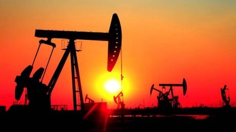 Нефть рухнула ниже $50 за баррель: агрессия России резко обернулась против нее и ударила по экономике