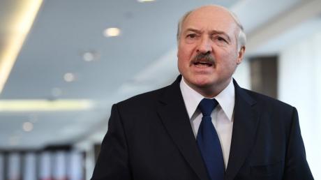 Лукашенко дал понять Путину, что на самом деле думает про объединение с Россией: важные детали