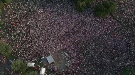 Многотысячный митинг в Минске в поддержку Тихановской: много силовиков, внезапно пропала мобильная связь