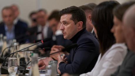 Чрезвычайная ситуация по всей Украине: СМИ узнали, какой план предложили Зеленскому