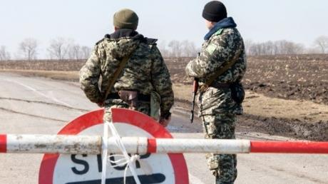 Харьковские пограничники задержали украинца, который хотел провезти 147 млн рублей в бензобаке