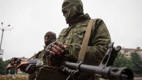 """В Донецке ранены два мирных жителя, в Марьинке горит дом - оккупанты """"ДНР"""" начали войну с новой силой"""
