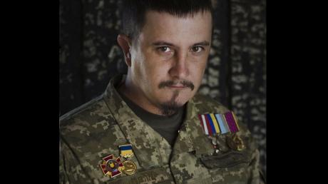 Обстрел россиянами ВСУ в Песках: офицер Штефан возмущен и резко обратился к украинцам