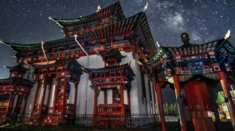 Загадочный храм Будды в Таиланде, куда приходят, чтобы пообщаться с пришельцами