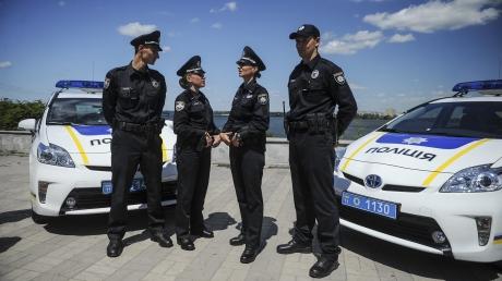 Яценюк, кабмин, полиция, Черновцы