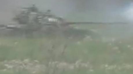 Боец добровольческого батальона рассказал о подробностях уничтожения танка боевиков неподалеку Горловки