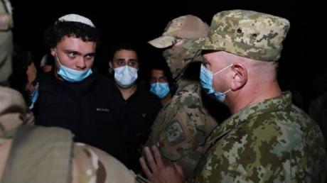 Хасиды пытаются через границу прорваться в Украину - на пункт пропуска стянули Нацполицию и Нацгвардию, кадры