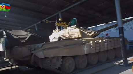 """Отступление Армении из Карабаха: Азербайджан захватил воинскую часть и целый ангар с танками """"Т-72"""""""