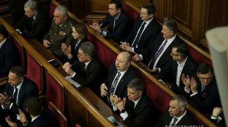 Новый Кабмин: СМИ назвали министров, работавших при режиме Януковича