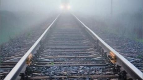 В Сети показали первые страшные кадры с места столкновения пассажирского поезда с иномаркой под Мелитополем: у пассажиров  авто не было шансов на спасение - погиб ребенок
