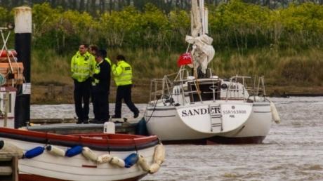 Сядут надолго: финские пограничники задержали нелегалов, перевозивших российскую яхту, и экипаж