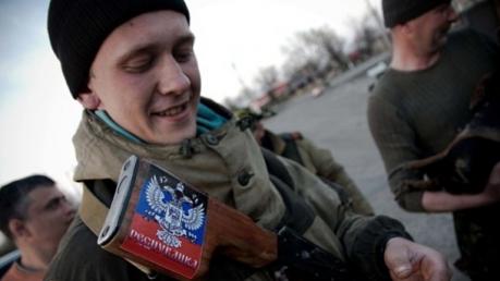 """""""Его посадили свои же! Он никого не убивал!"""" - мать боевика """"ДНР"""" проклинает Захарченко и """"республику"""" после шокирующего приговора младшему сыну"""