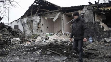 Луганская ОГА: в ходе ночных боев перебит магистральный газопровод, разрушена железнодорожная станция