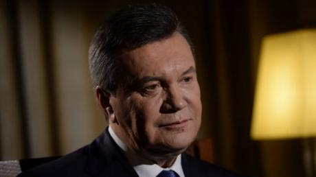 Беглецу Януковичу, отказавшемуся участвовать в суде против себя в Киеве, предоставили государственного защитника