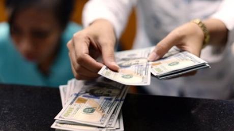 Курс валют на 2 марта: доллар опустился до 27,76 грн.