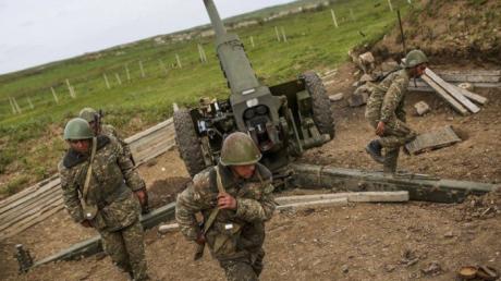 """Ударная группировка Азербайджана идет на север - оборона Армении может быть """"парализована"""" в считанные дни"""