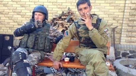 """Боевик ДНР заявил, что из-за """"геройств"""" Гиви и Моторолы их подразделения потеряли сотни людей"""