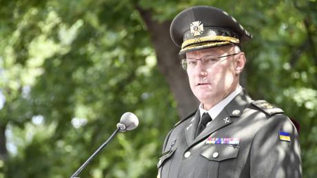 """""""Чтобы не накрыло огнем"""", - Хомчак объяснил временный отход ВСУ с позиций во время боя в районе Золотого"""