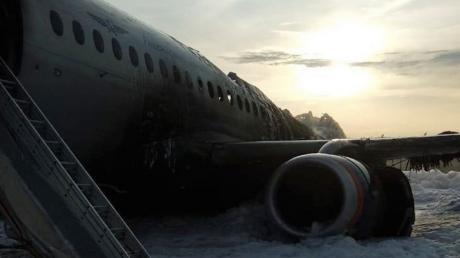 Официально: в пожаре в аэропорту Шереметьево с самолетом SuperJet погиб 41 человек - все подробности