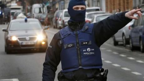 Новая угроза в Брюсселе: полиция ищет взрывчатку в студгородке