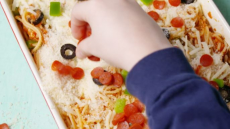 пицца-спагетти, рецепт, повар, приготовление, блюдо
