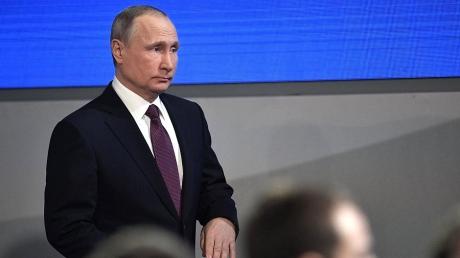 """""""То что саммит G20 не породил ни одной конструктивной идеи и ни одного международного проекта, связанного с РФ, говорит лишь о том, что дни путинской """"империи"""" сочтены, – российский политик"""