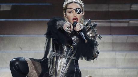 """Мадонна на """"Евровидении"""" перешла черту - Израиль в ярости, будут введены санкции, - кадры"""