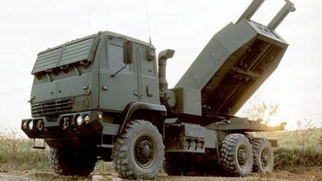 Кремль в ярости: США, наплевав на мнение РФ, разместили в Сирии 2 мощные системы залпового огня HIMARS