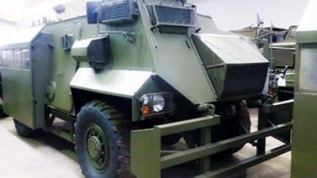 """Турчинов: В Украину прибыли 20 из 75 британских бронемашин """"Саксон"""""""