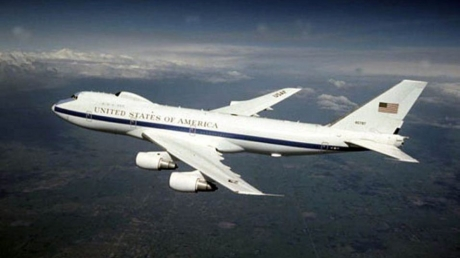 """Стихия повредила """"самолеты судного дня"""" Е-4В ВВС США: представитель военных рассказал, смогут ли они выполнять теперь свои функции"""