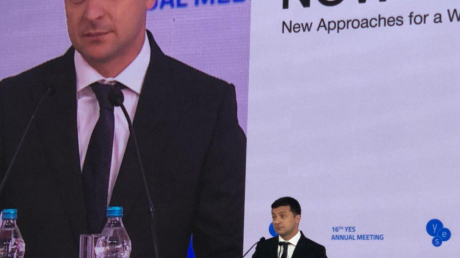 Зеленский против миротворцев на Донбассе: такого заявления не ожидал никто - кадры