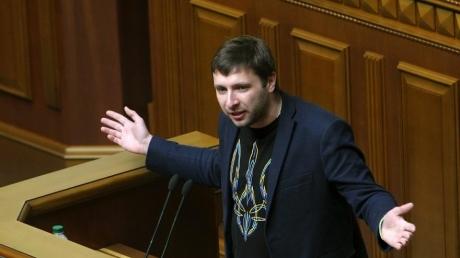 парасюк, лещенко, гелетей, драка, потасовка, скандал, видео, депутат, верховная рада, охрана