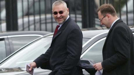 Скоро я набью морду этим рахитам пранкерам-обмудкам Вовану и Лексусу, они за все ответят – адвокат Савченко Фейгин