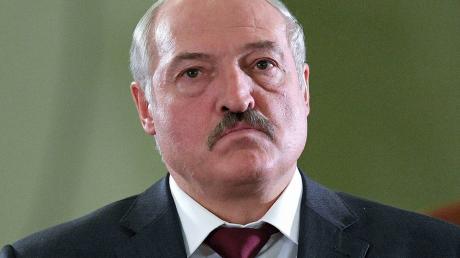 """Эксперт: """"Лукашенко совершил акт капитуляции. Все в рамках договоренности с Путиным"""""""
