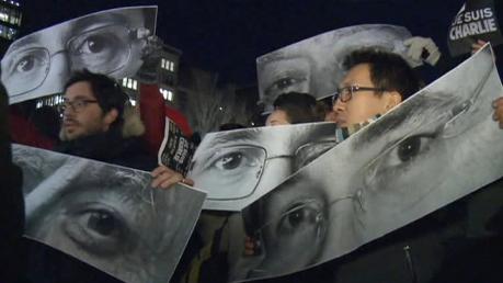 Вандалы снова осквернили мемориал памяти жертв теракта в Charlie Hebdo