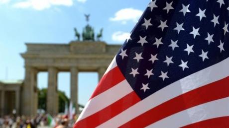 Соцопрос: граждане США выступают против предоставления оружия Украине