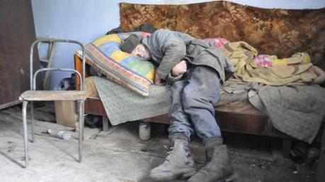 В Ангарске, Забайкалье людям не платят зарплату с августа, выплачивают еженедельно по 400 - 500 рублей, россиянам банально нечего есть, - источник